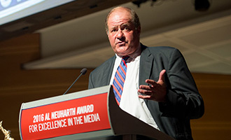 ESPN anchor Chris Berman honored at Newseum